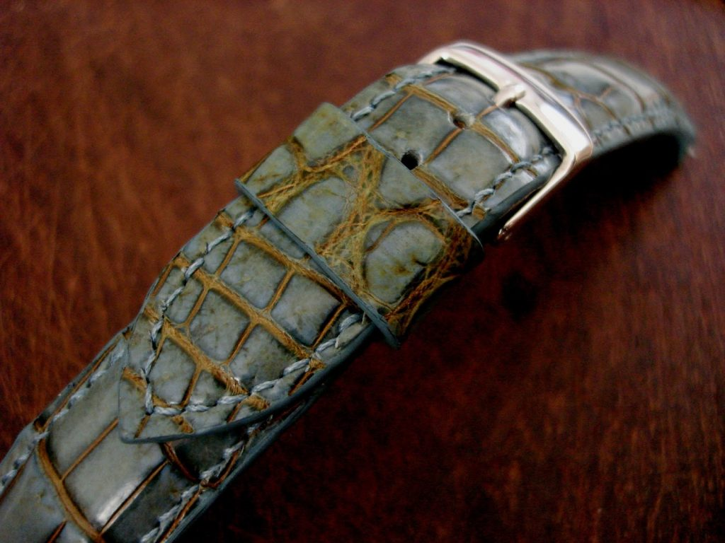 Martinique Bleu Alligator strap or Omega Seamaster - keeper loop detail