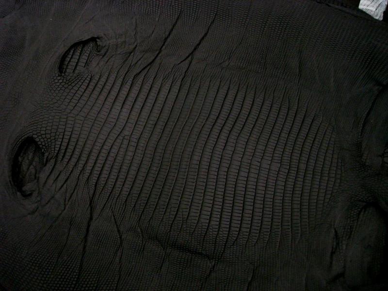Carbon Black SuperMatte Teju Lizard