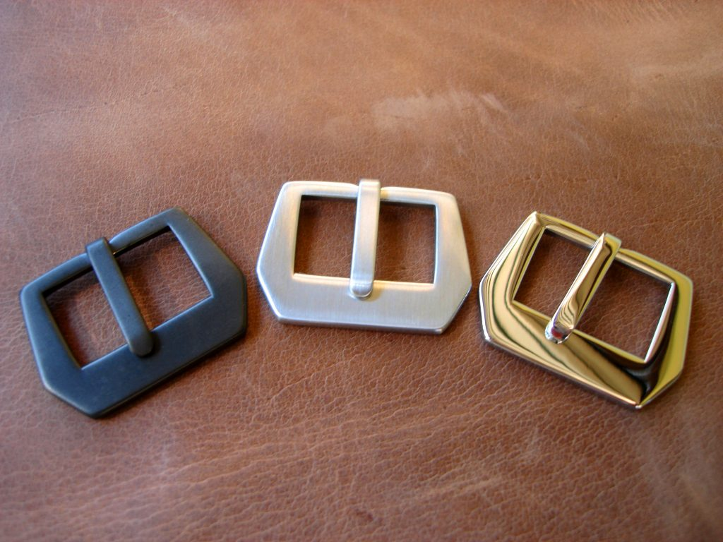 No logo Vintage Style Sewn-in buckle: Matte PVD, Brushed and Polished finish