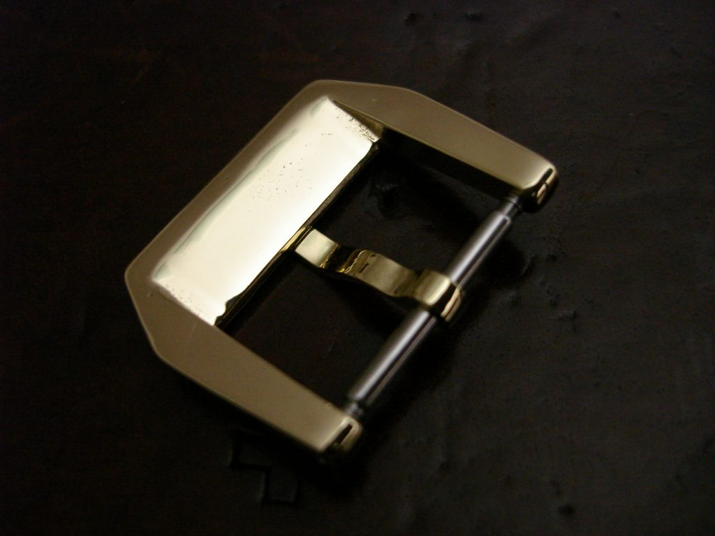 24mm 'D9' Logo Bronze 'Knife-edge' style Buckles: back of buckle cutout