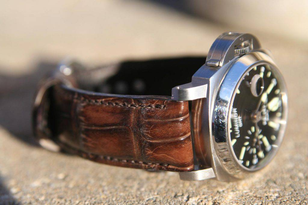 Hand-Antiqued-finish-over-old-Walnut-Alligator-watch-strap-from-our-Veneto -Collection-for-Panerai