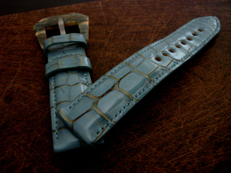 Straps made from Saint-Tropez Alligator