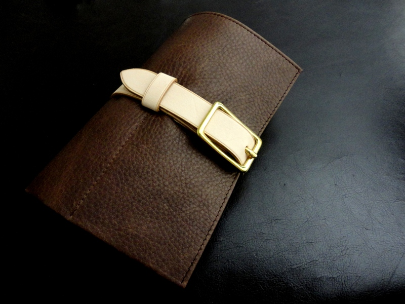 Watch-&-Strap-Travel-Roll-Pebble Grain-Mocca-Calfskin-with-Grey-Suede-leather-lining