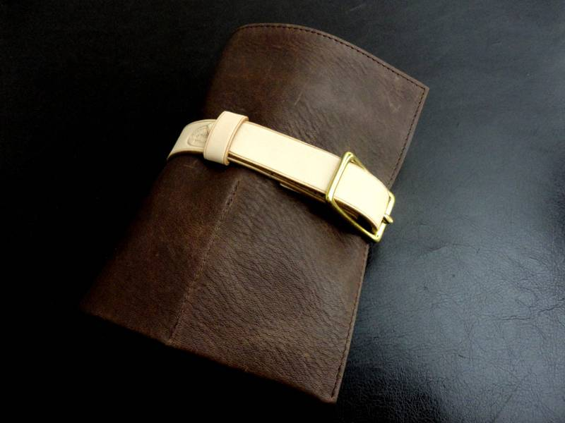 Pebbled-Mocca-Watch-&-Strap-Travel-Roll-with-Mushroom-Suede-leather-lining