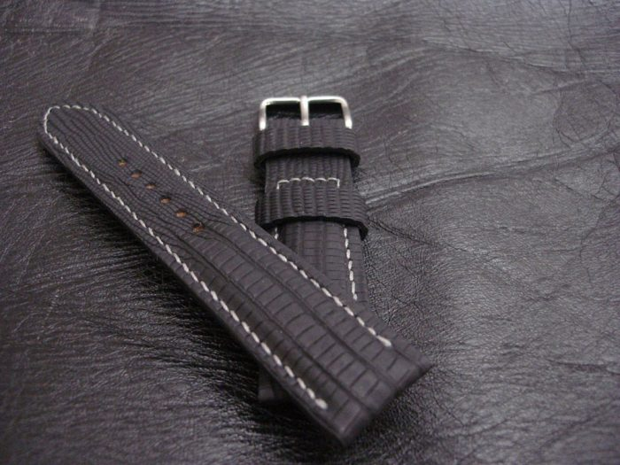 SuperMattes-Schwarzes-Uhrenarmband -Teju-Eidechse-22/20mm-6